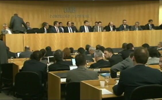 OAB aprova abertura do processo de impeachment contra o presidente